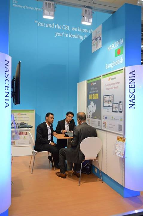 CEBIT 2014: Fuad Omar (COO) and Fattahul Alam (CTO) are having discussion with a visitor.